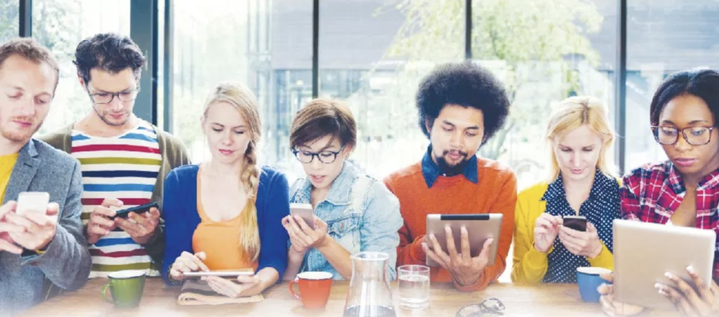 Medios informativos han tenido que reinventarse en plataformas digitales