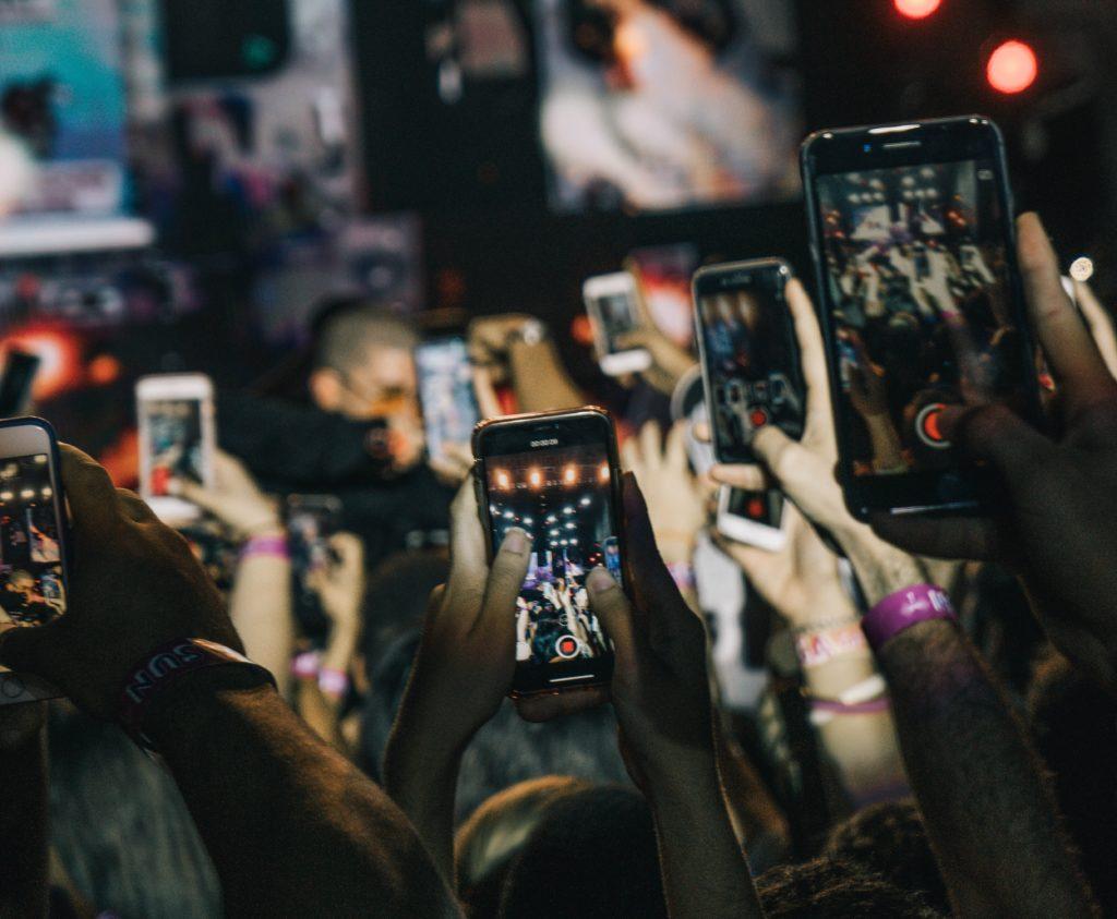 Crecimiento digital a través de los smartphones: una tarea de las autoridades