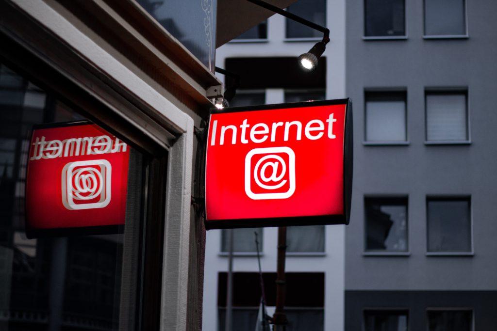 Alto porcentaje población sin acceso a la banca digital