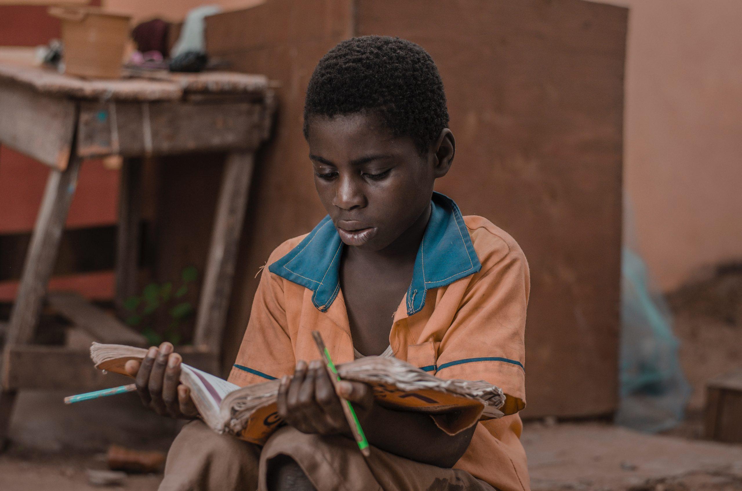 Brecha educativa: 463 millones de estudiantes están separados del aprendizaje remoto