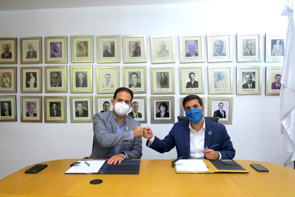 Cámara TIC y Cámara Santiago firman acuerdo de colaboración interinstitucional