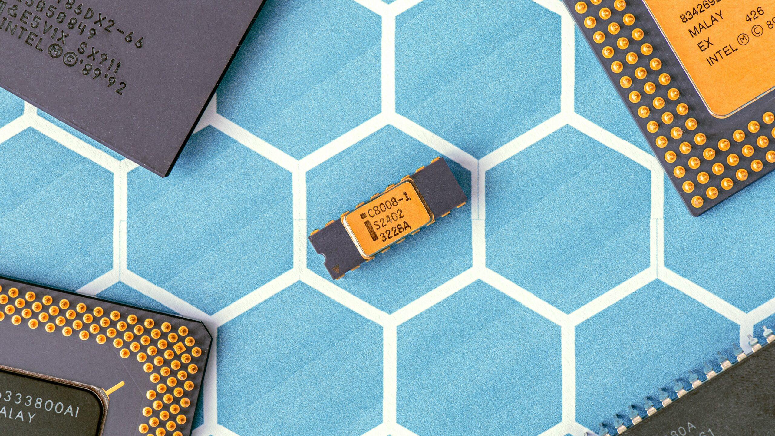 Guerra tecnológica entre Estados Unidos y China pone en riesgo la cadena de suministro de semiconductores