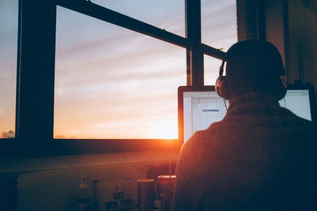 Teletrabajo y trabajo remoto dentro de la economía digital